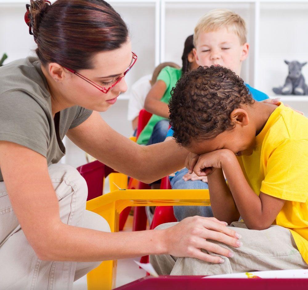 43604-que-debe-hacer-el-profesor-cuando-el-alumno-llora-en-clase